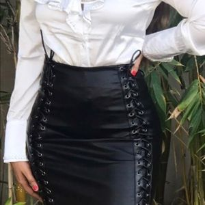 Skirts - New Faux Leather Skirt, came with no tags 🏷
